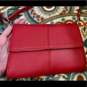 thirty-one Bags - Thirty one red pebble leatherette cross bag